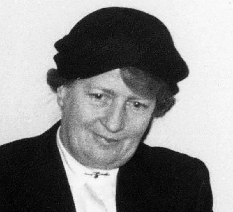 Holzapfel Luise