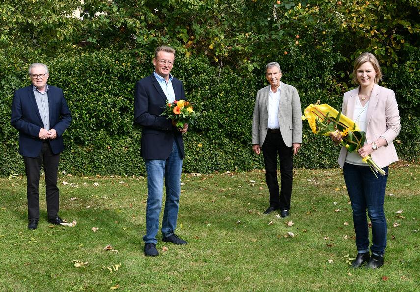 Landrat Friedhelm Spieker, Kreisdirektor Klaus Schumacher, Alfred Wiemers gratulierten der neuen Geschäftsführerin Caroline Fechner.