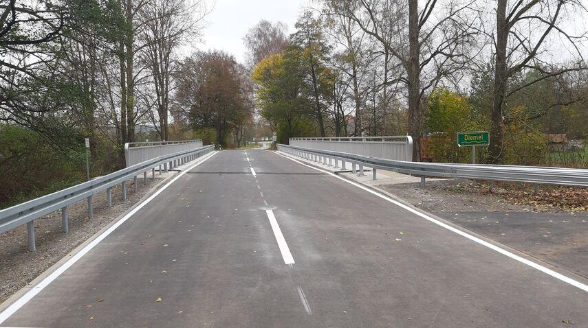 Kreisstraße 14 bei Ossendorf.