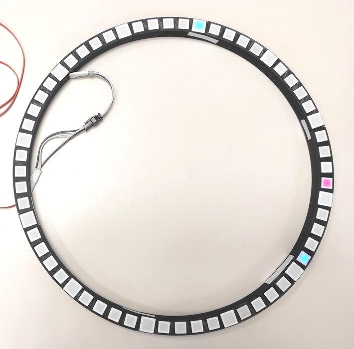 LED-Uhr, die mit einem 3D Drucker erstellt wurde.